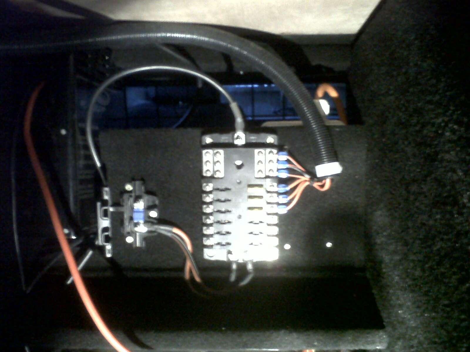 12v Fused Distribution Board International Forum Lr4x4 The Defender Fuse Box Ebay Img00372201205062044