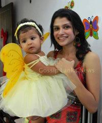 Menaka Rajapaksha Wife And Baby